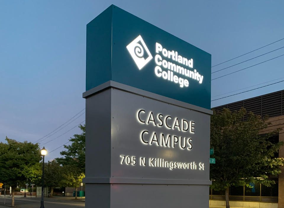 Cascade Campus monumental sign