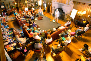 Group of people at a past Seminar