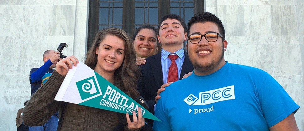 Students with PCC swag at the Oregon Capitol building