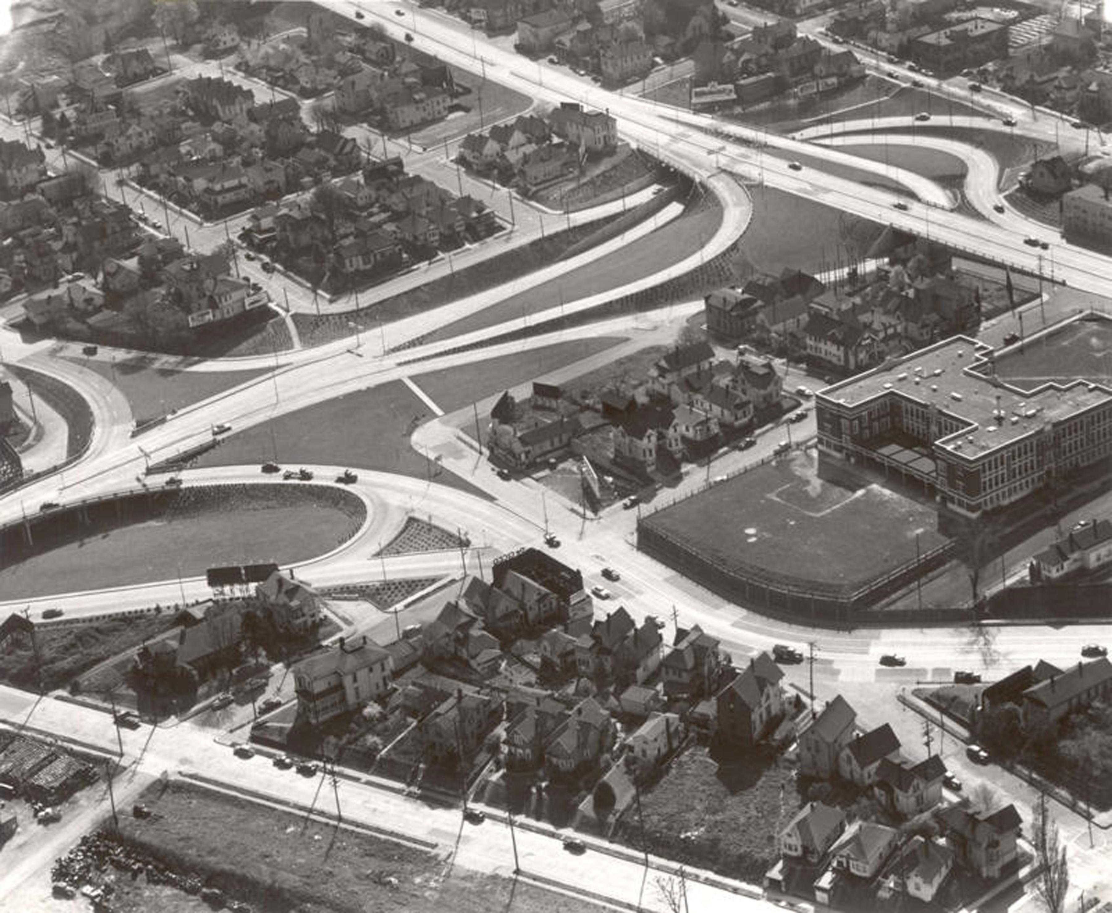 ross-island-bridge-west-end-approach-cloverleaf-1952