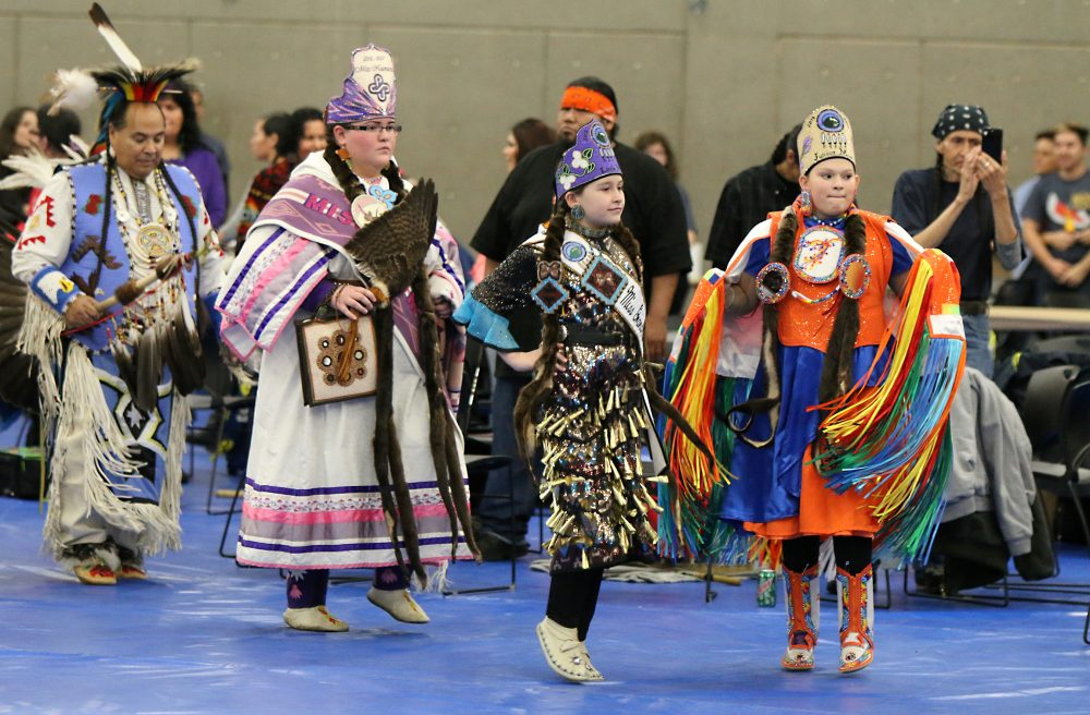 powwow dance girls.