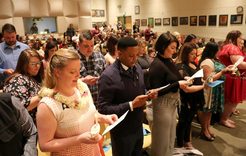 Students take the Nightingale Pledge.
