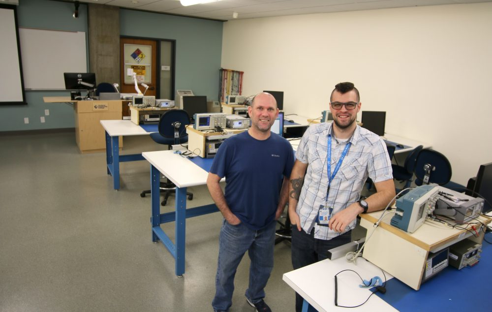 Mike and Korey in the EET lab.