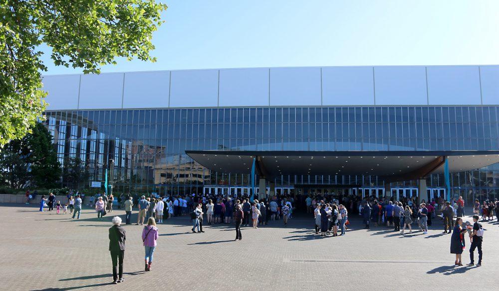 Memorial Coliseum, exterior.
