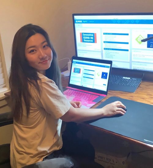 Cascade Campus student Vivi Chen provides virtual tutoring support through the Student Learning Center.