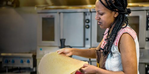 Eleni Woldeyes teaching and Ethiopian cooking class