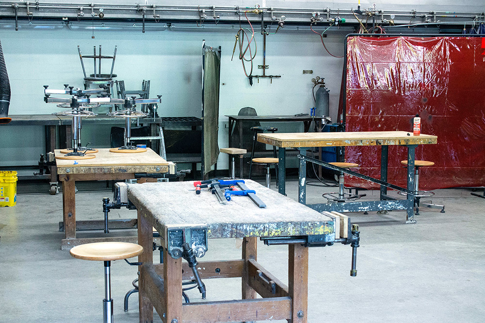 Workstations and tools in the sculpture studio