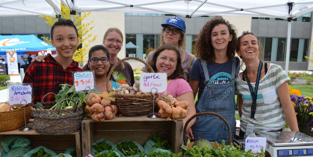 Students at farm stand