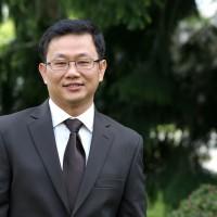 Hung Lee Nguyen.