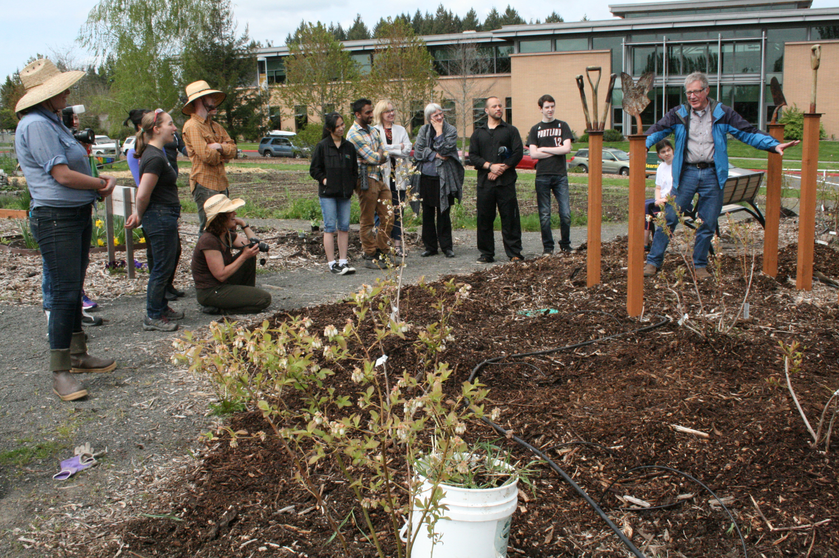 Garden produces much learning | News at PCC