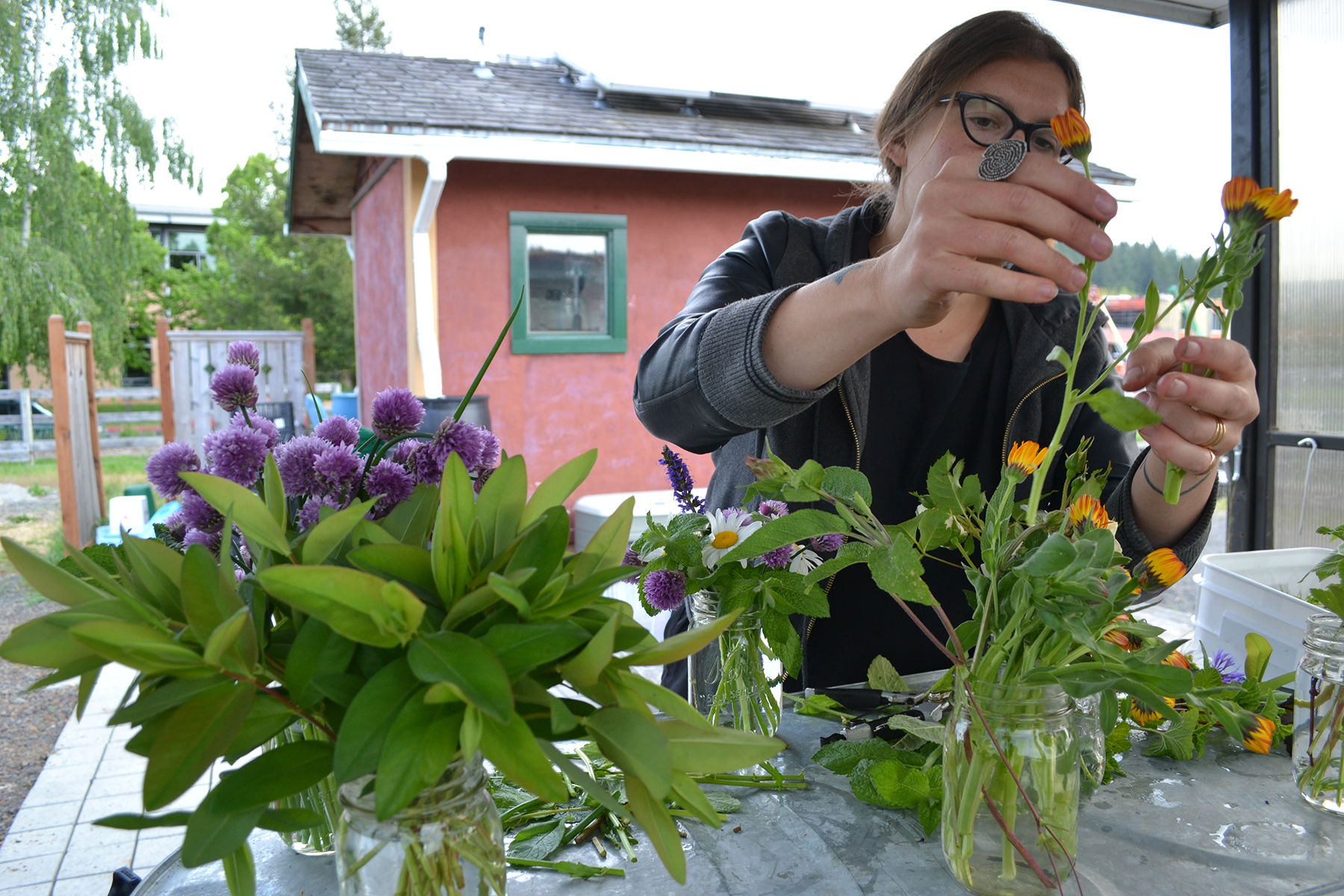 As Lindsey learned more about flowers and came to love them, she has re-aligned her professional and personal interests to focus on the spiritual qualities of flowers, rather than their horticultural aspects.